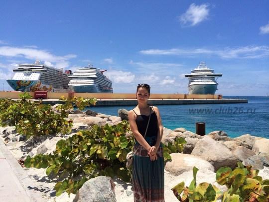Возле Карибских островов