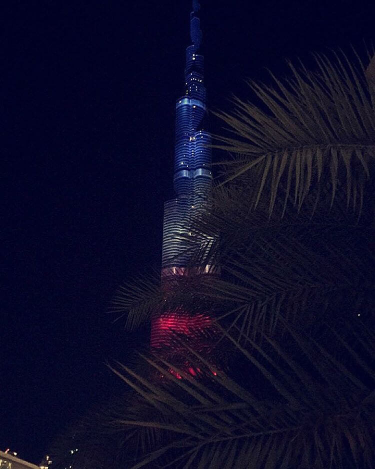 Бурдж-Халифа ночная подсветка
